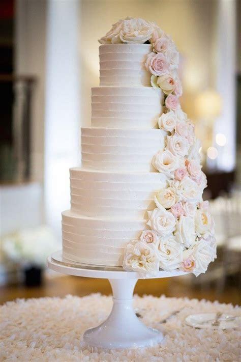 Idyllic Summer Portland Wedding   Wedding Cakes   Wedding