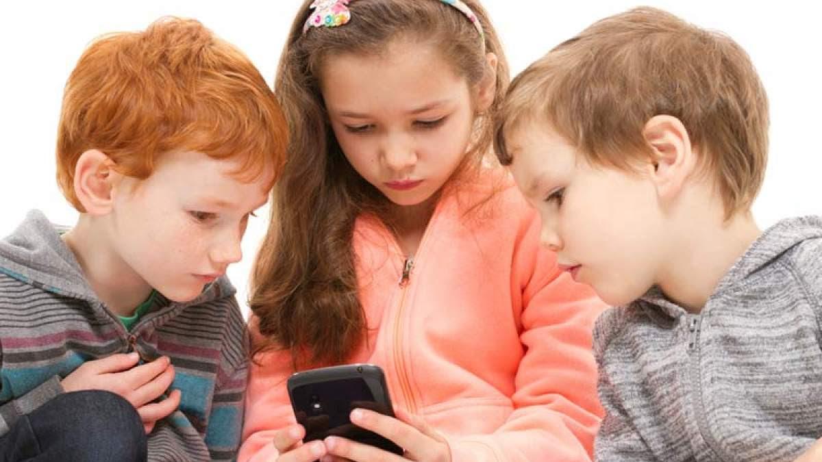 http://im2.7job.gr/sites/default/files/imagecache/1200x675/article/2018/09/254400-children-on-iphone.jpg