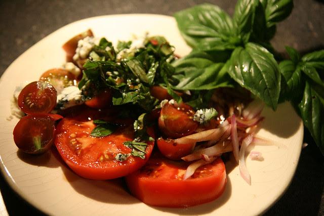 tomato bluecheese basil-1