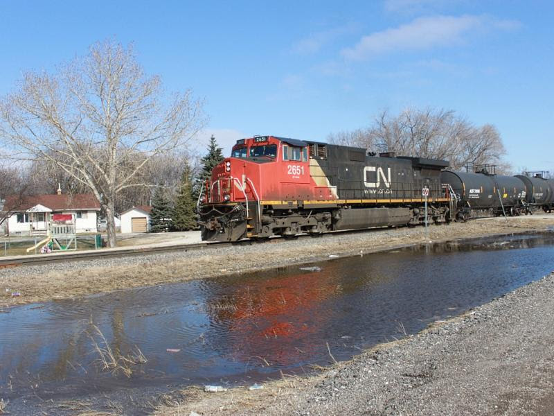 CN 2651 and train 532 in Winnipeg