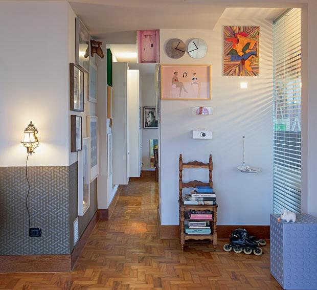 quadros-papel-de-parede-quadros-piso-de-madeira (Foto: Gui Morelli/Editora Globo)