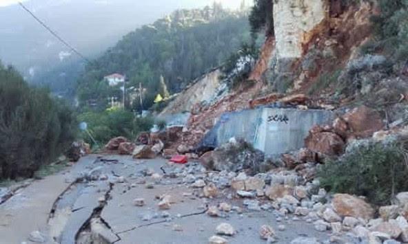 Σεισμός στην Λευκάδα: Δυο γυναίκες νεκρές - Απίστευτες εικόνες καταστροφής - Το χωριό Αθάνι σμπαραλιάστηκε από τον σεισμό!