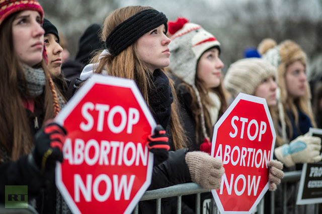 Anti-abortion protesters attend the March for Life on January 25, 2013 in Washington.(AFP Photo / Brendan Hoffman)