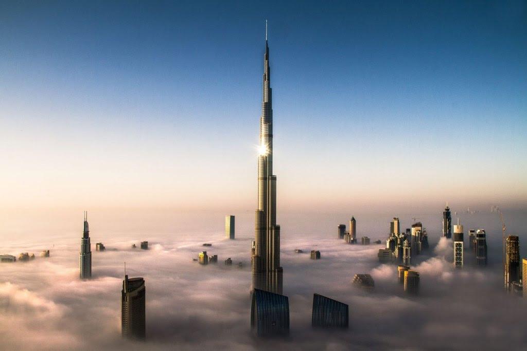 Το Burj Khalifa, με ύψος που αγγίζει τα 830 μέτρα, θα είναι για τέσσερα χρόνια ακόμα το ψηλότερο κτίριο στον κόσμο. Μετά την σκυτάλη θα πάρει το Kingtom Tower, στην Jeddah, με ύψος ένα χιλιόμετρο και ένα μέτρο.