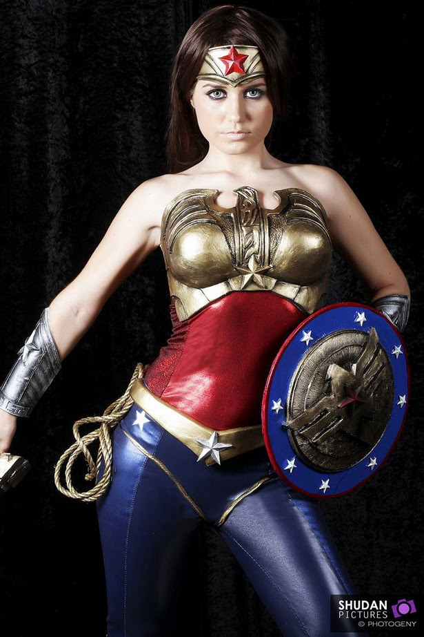 Wonder Woman fantastic cosplay