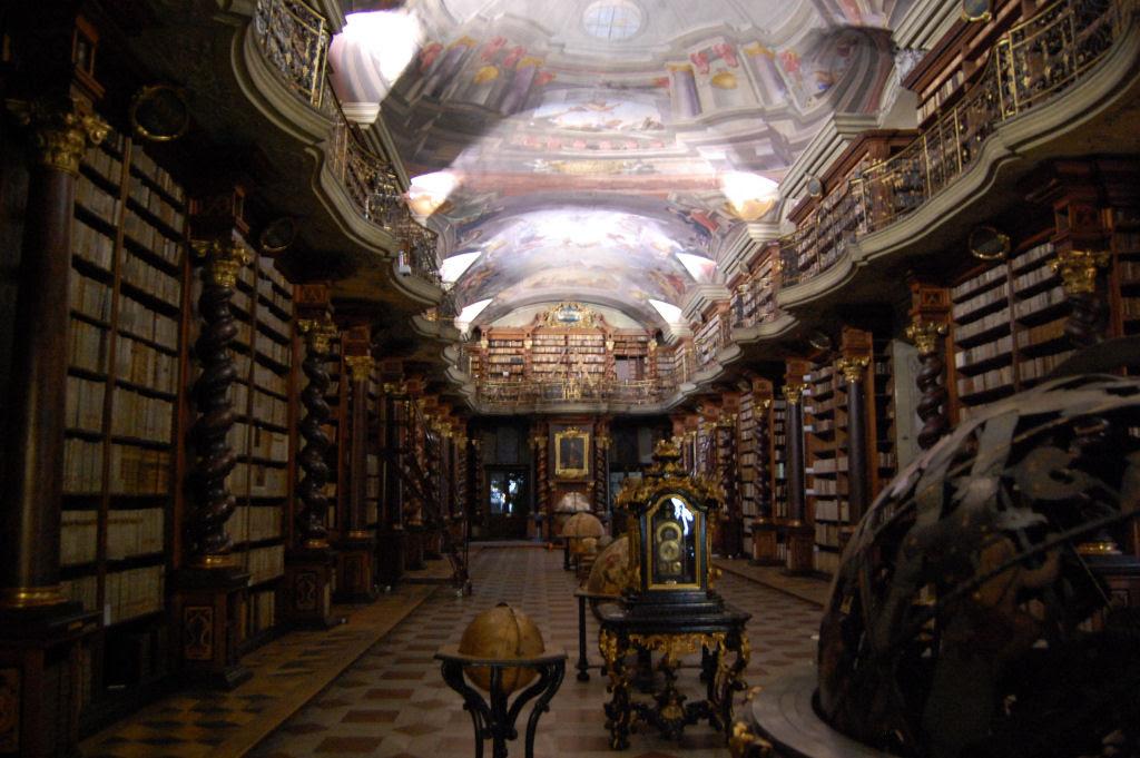 A mais bela biblioteca do mundo fica em Praga 09