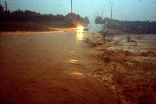 Πλημμύρισε το Άργος! Σε ποια σημεία έχει διακοπεί η κυκλοφορία στην Πελοπόννησο λόγω κατολισθήσεων