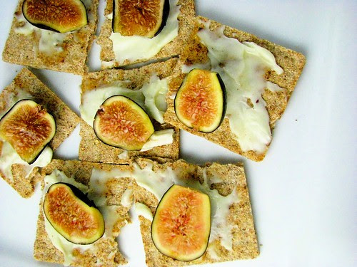 figs cheese honey