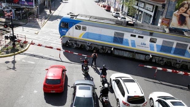 El paso a nivel de la Avenida Córdoba, crítico para cruzar en hora pico, será eliminado