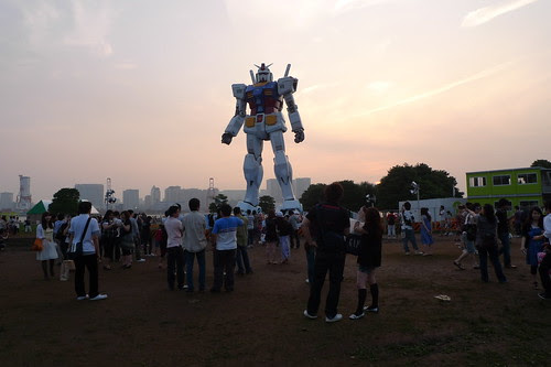 Lots of people checking out Gundam in Odaiba