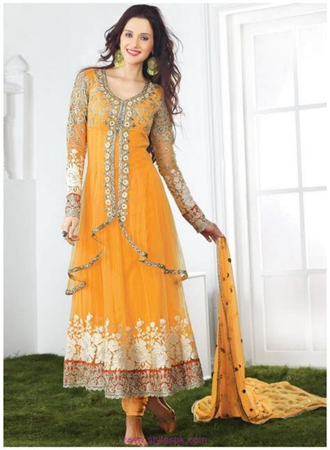 Yellow Bridal Mehndi Dresses 2019 in Pakistan