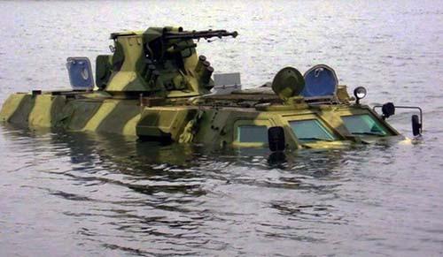 БТР 4 в воде