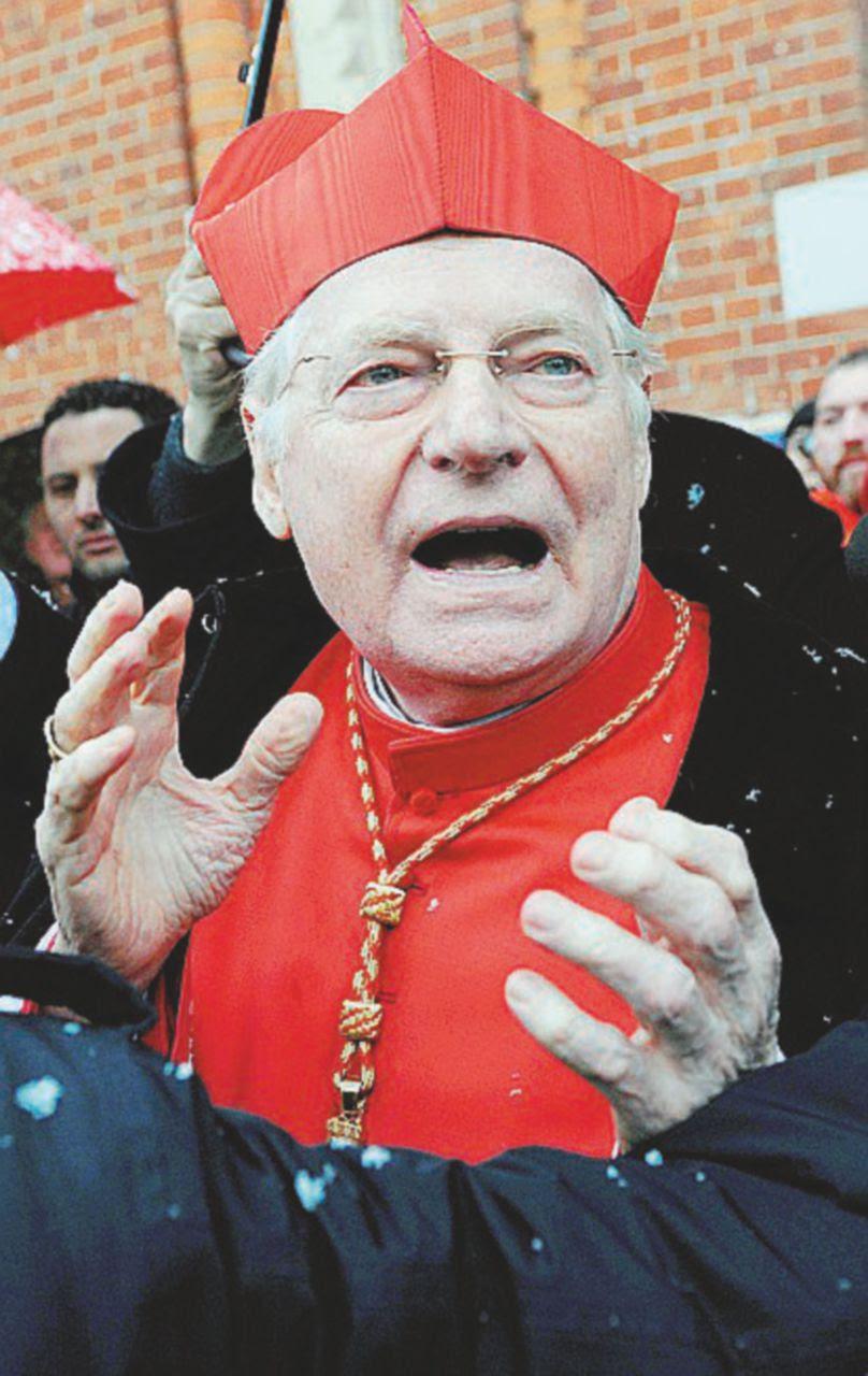 Milano, Scola si congeda con un maxi-spreco. Per la messa del Papa ordina un palco da 1,3 milioni di euro