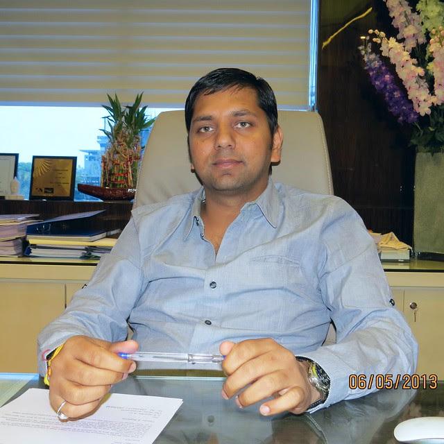 Mr. Vineet Goyal, Director, Kohinoor Group Pune (A Krishnakumar Goyal Enterprise) 1 - Developers of Kohinoor Grandeur, 2 BHK 3 BHK Flats & Shops at Mukai Chowk, Ravet, PCMC, Pune