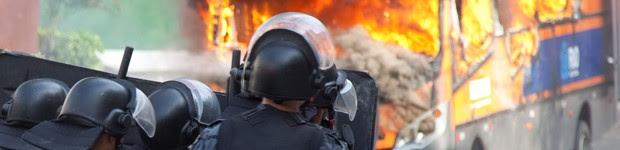 AO VIVO: reintegração de terreno no Rio tem confrontos e veículos incendiados (Reynaldo Vasconcelos/Código 19/Estadão Conteúdo)