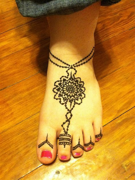 Henna on the foot with toe ring   Henna   Henna designs