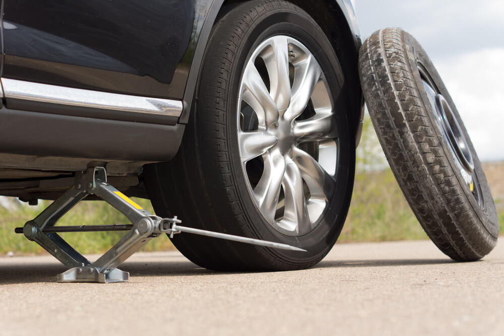 How To Change Tires 5 Step Guide To Survive A Flat Tire
