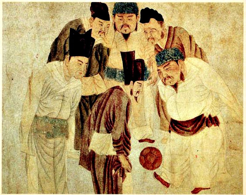 Song Taizu jugando al 'cuju' con su primer ministro Zhao Pu (趙普) y otros miembros de su gabinete. Pintura realizada durante la dinastía Yuan por el artista Qian Xuan (1235-1305). (Imagen: La Gran Época)