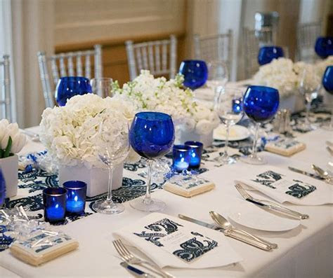 Low Centerpieces, Wedding tabletop, Candles, Flowers