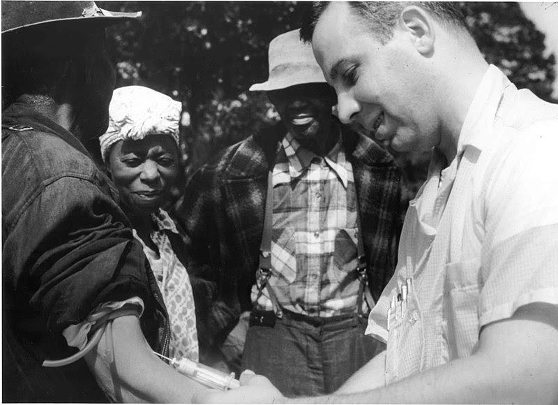 File:Tuskegee-syphilis-study doctor-injecting-subject.jpg