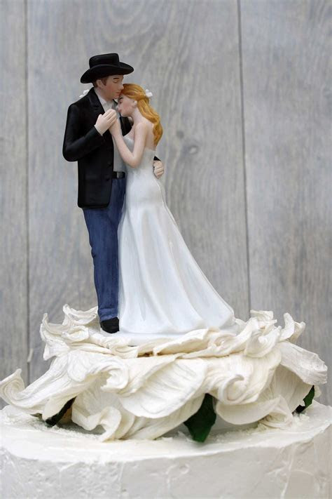 ¨Lasso of Love¨ Rose BlossomWestern Wedding Cake Topper
