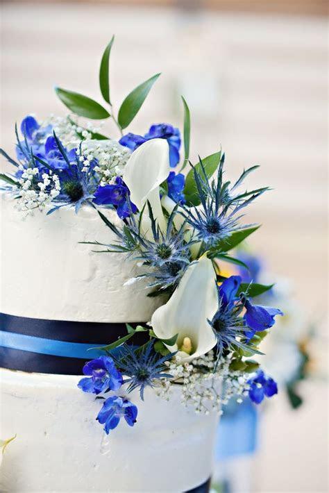 Wedding Cake Flowers of White Calla Lilies, Dark Blue