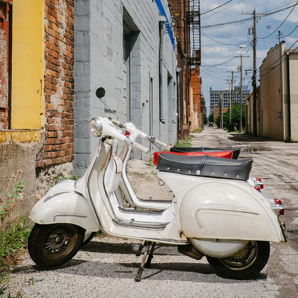The Language Of Love Italian Vespas Restored In An Iowa Alley