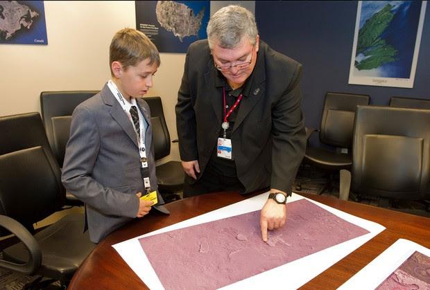 William Gadoury em visita à Agência Espacial Canadense (Foto: Reprodução/Twitter/Canada Space Agency)
