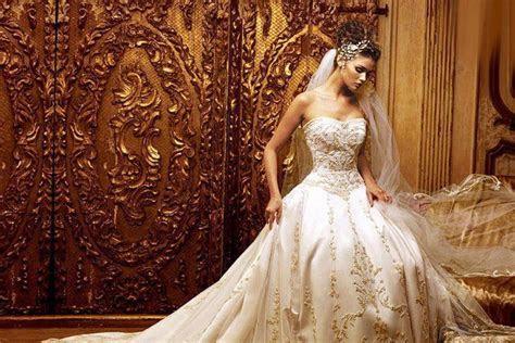 The 20 Most Beautiful Wedding Dresses of 2015   Scribol.com