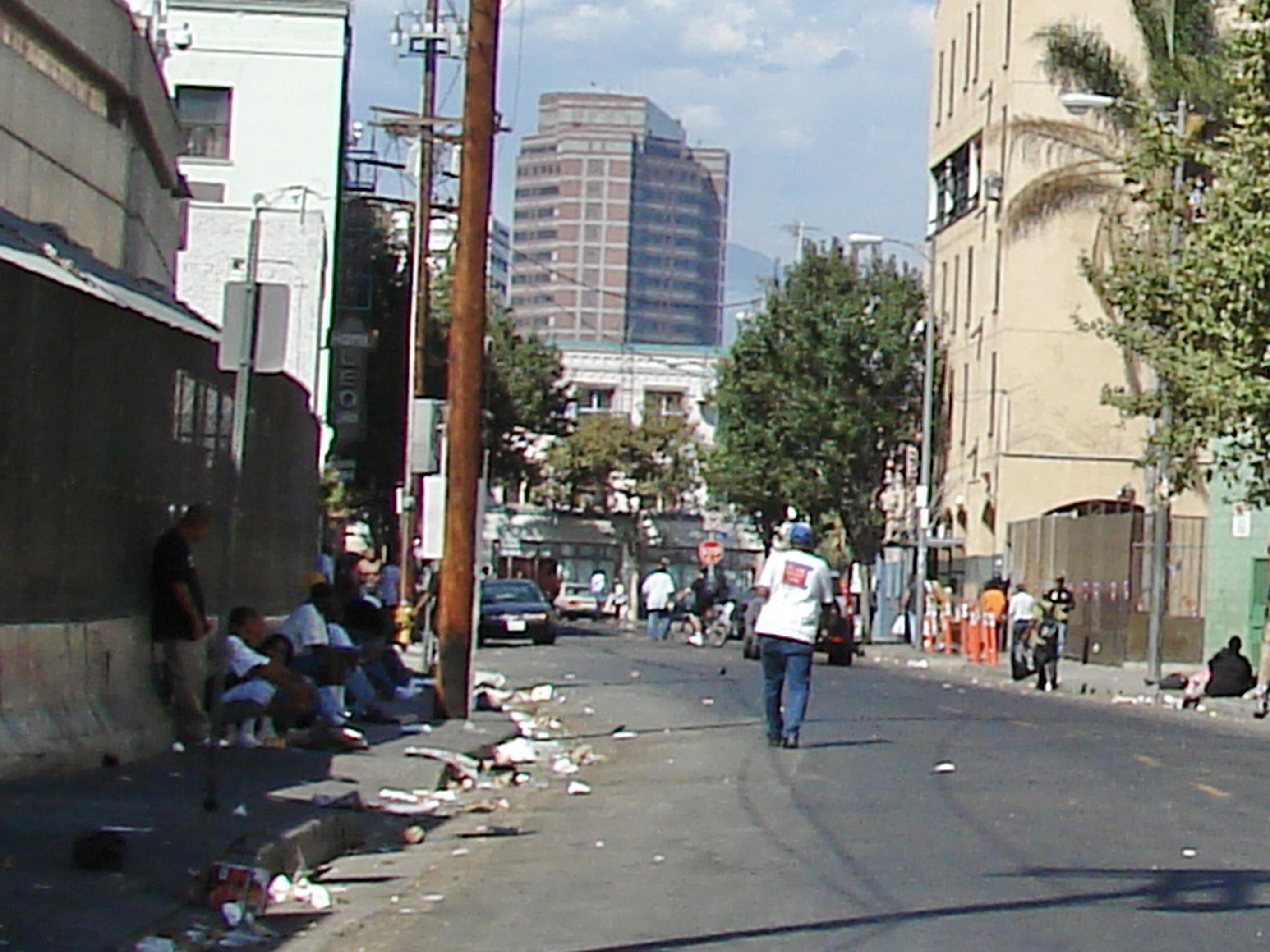 http://upload.wikimedia.org/wikipedia/commons/3/3b/Los_Angeles_Skid_Row.jpg