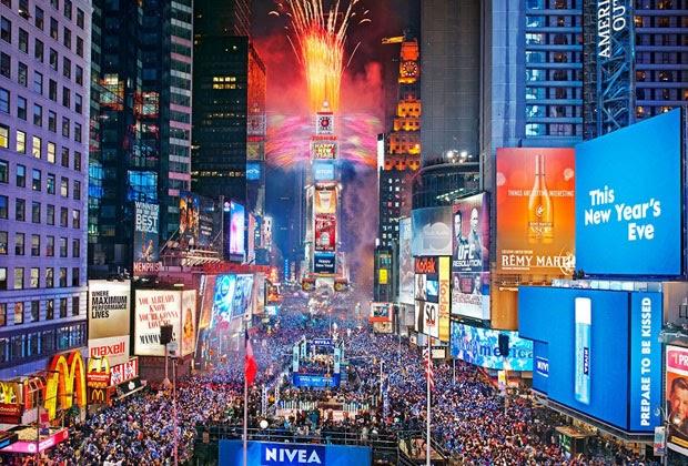 REVEILLON EM NEW YORK TENTANDO CHEGAR NA TIME SQUARE