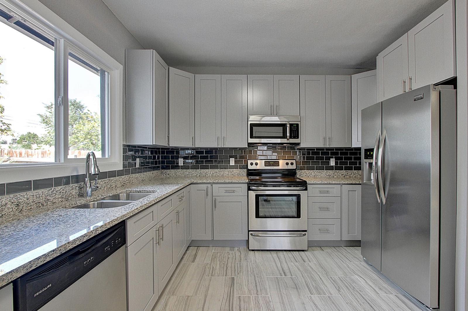 Grey Shaker Cabinet Gallery | Custom Kitchen Cabinets ...