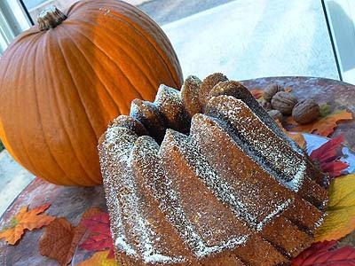 pumpkin bundt cake 1.jpg