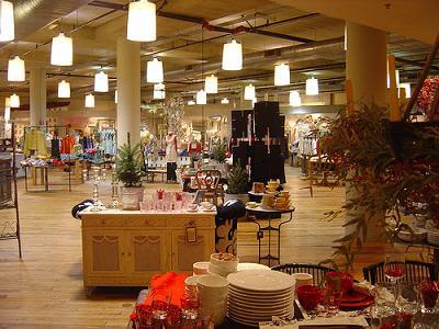 http://harmonium212.files.wordpress.com/2008/11/anthropologie-seattle.jpg