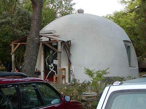 Domes.jpg (78240 bytes)