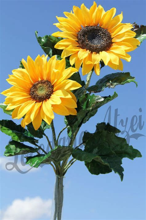 sugar sunflowers   cake by Loredana Atzei   CakesDecor