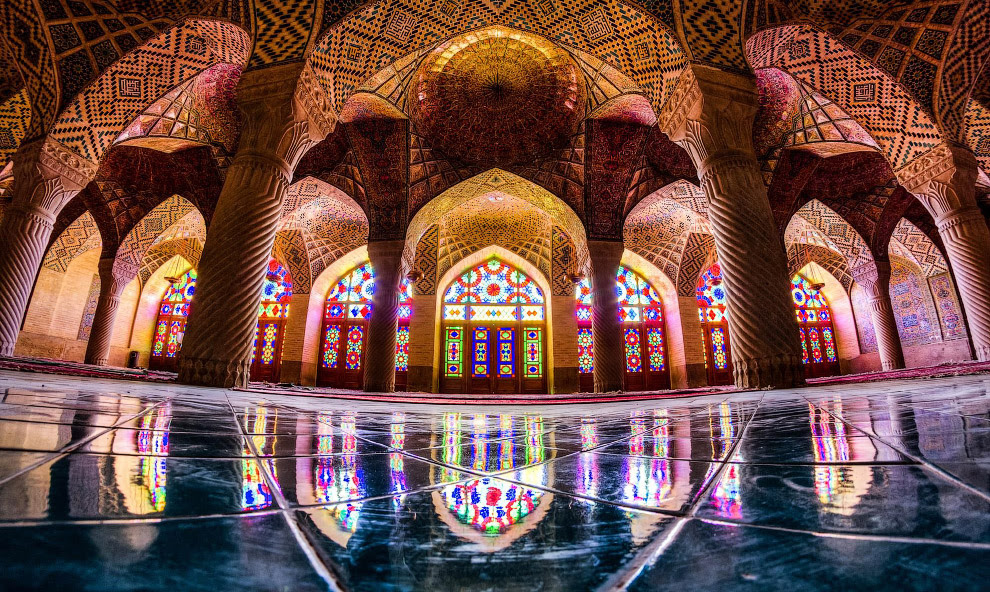 Мечеть Насир-ол Молк в Иране