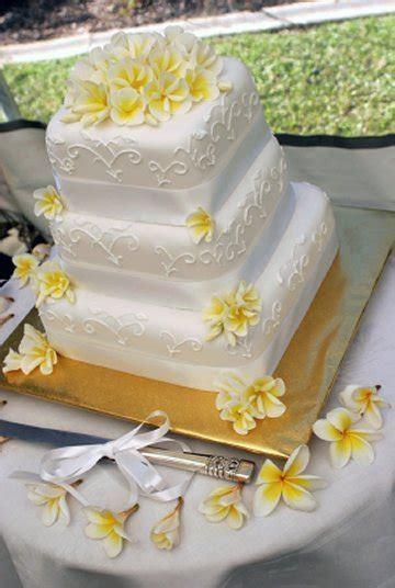 Hawaiian Wedding Bouquet   Weddings in Hawaii