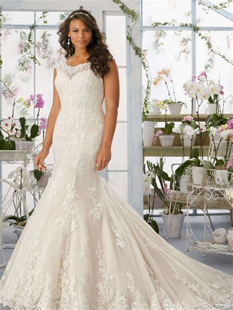 10 Stunning (and Affordable) Plus Size Wedding Dress Designers