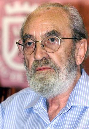 Ángel González. (Foto: EFE)