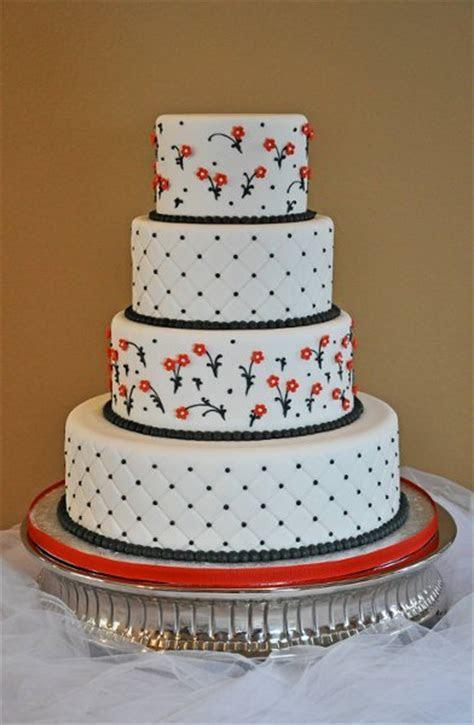 1302186929941 Image0013 Conroe wedding cake