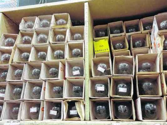 Lâmpadas incandescentes estão sendo retiradas aos poucos do mercado brasileiro, conforme portaria de 2010 (Foto: arquivo JC)
