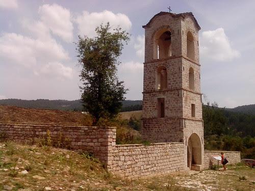 Il campanile di Shen Maria a Voskopja by Ylbert Durishti