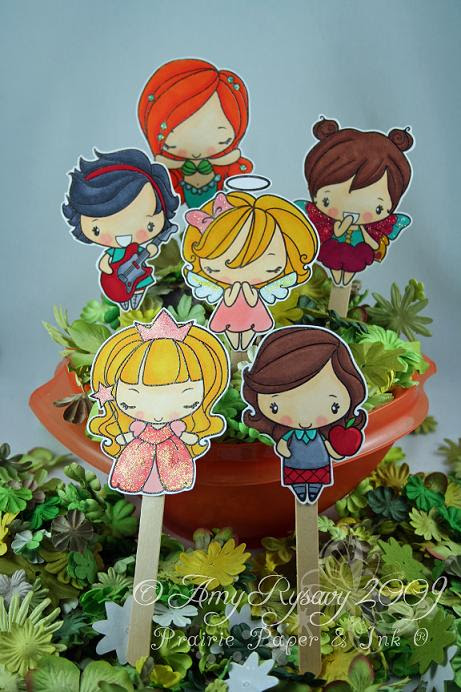 Anya Puppet Set