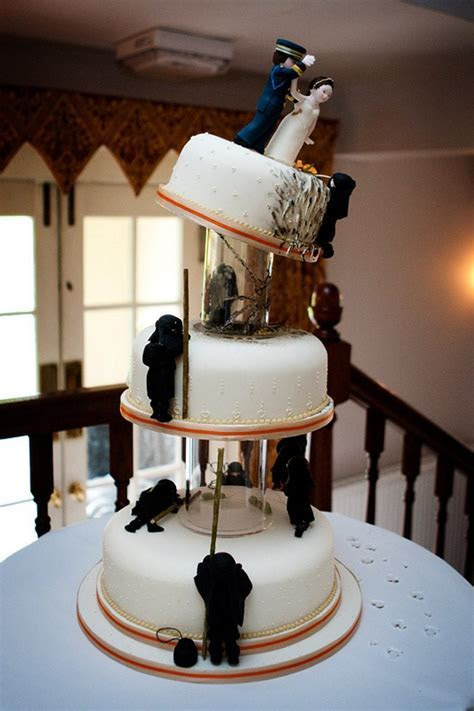 20 Outrageous Wedding Cakes That Are Geeky Sweet   Gadget