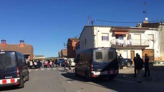 Els Mossos estan desplegats al barri de Sant Joan, a Figueres, en una operació antidroga