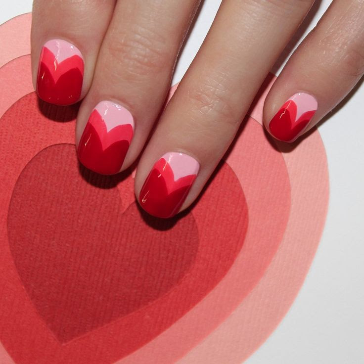 Happy Valentine's Day wear hearts on your nails