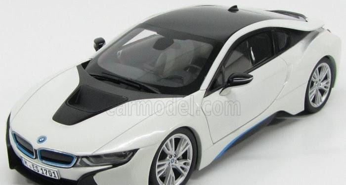 White Bmw Sports Car I8