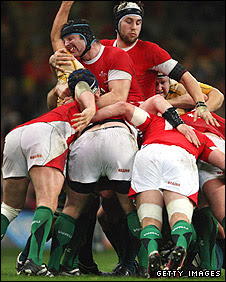 Wales begin a maul against Australia last November