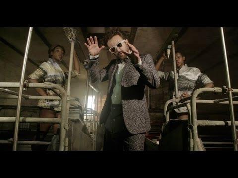 Dargen D'Amico - Un Fan In Basilicata (Official Video)